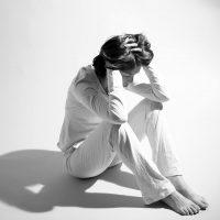 ۹ نشانه افسردگی که بسیار عجیب و غریب هستند