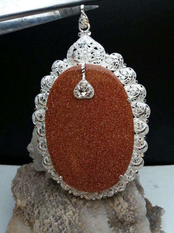 مدال آویز نگین دلربا بزرگ بسیار زیبا و خاص