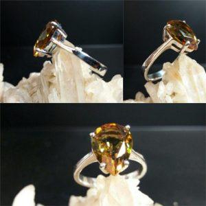 انگشتر الکساندریت ۷ رنگ اشکی زیبا و خاص