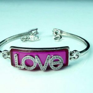 دستبند نقره زیبا love نگین قرمز آبکاری شده