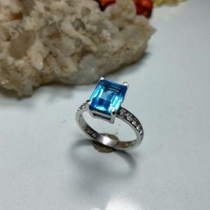 انگشتر زنانه جواهری توپاز سویسی اصل خوش رنگ