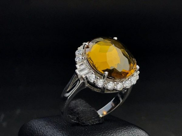 انگشتر زنانه جواهری الکساندریت ۷ رنگ زیبا