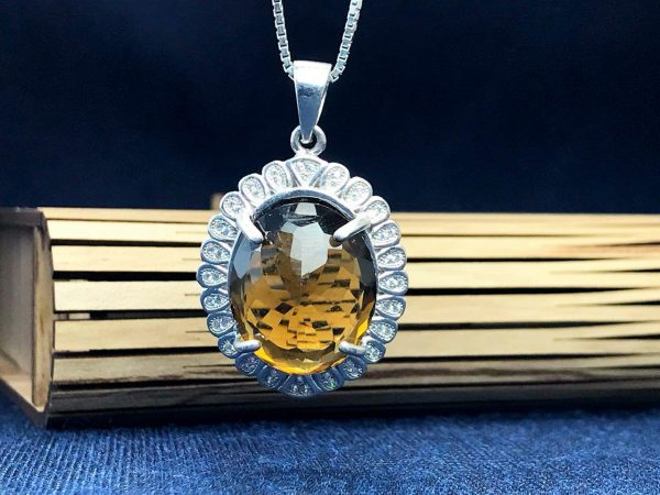 مدال زنانه الکساندریت 7 رنگ زیبا