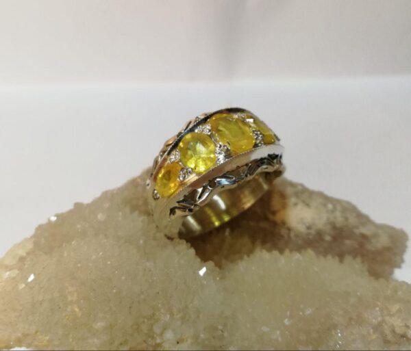 انگشتر حلقه جواهری یاقوت زرد اصل