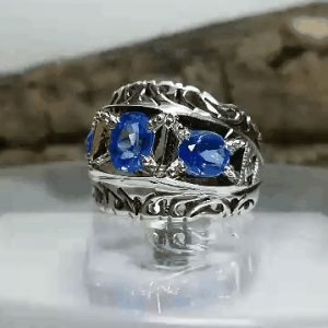 انگشتر توپاز آبی سویسی درجه یک اصل