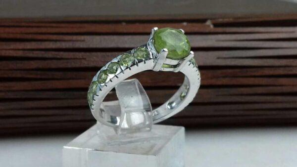 انگشتر جواهری زبرجد اصلی