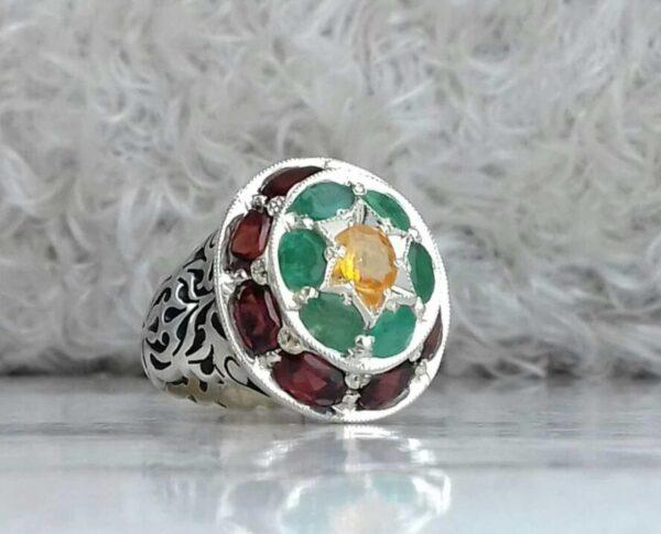انگشتر جواهری سنگ اصلی یاقوت سیلان. زمرد. یاقوت زرد