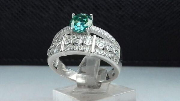 انگشتر جواهری موزانایت سبز الماس روسی