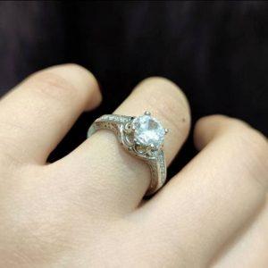 انگشتر جواهری تک نگین زیبا