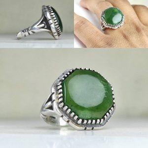 انگشتر یشم سبز هشت گوش
